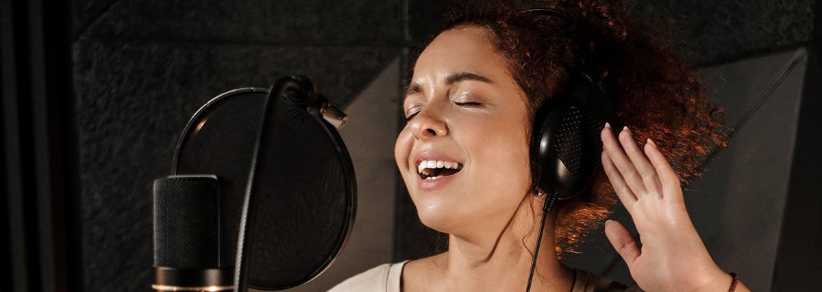 woman-singing-passionately