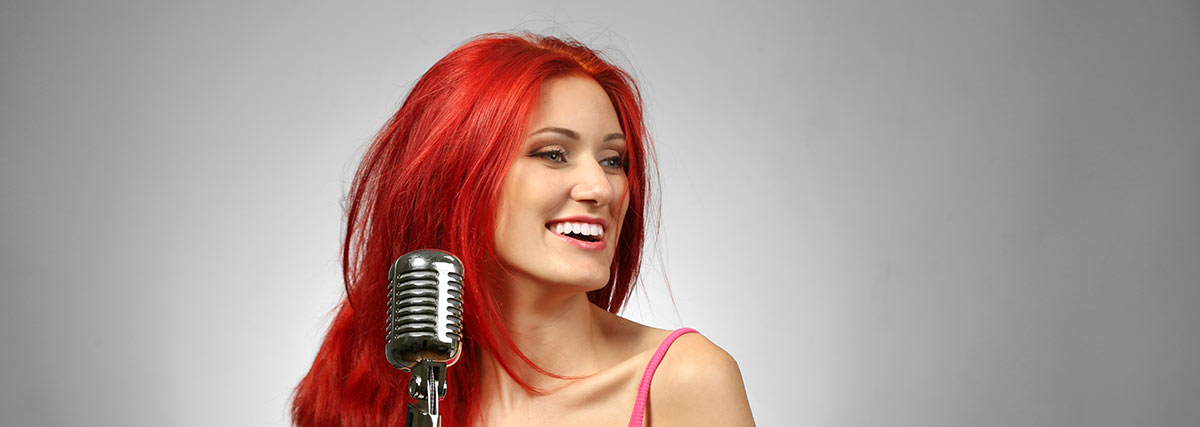 singer with red hair